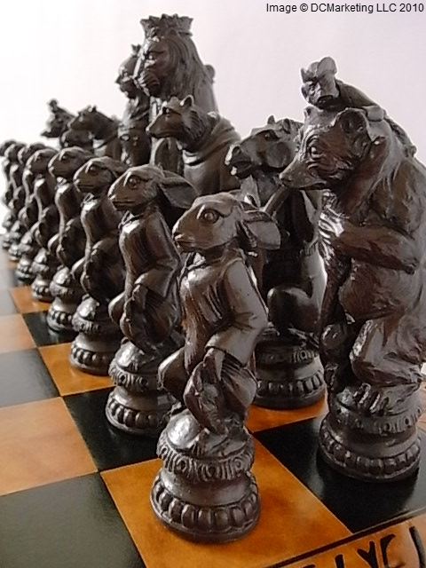 Reynard the Fox Plain Theme Chess Set